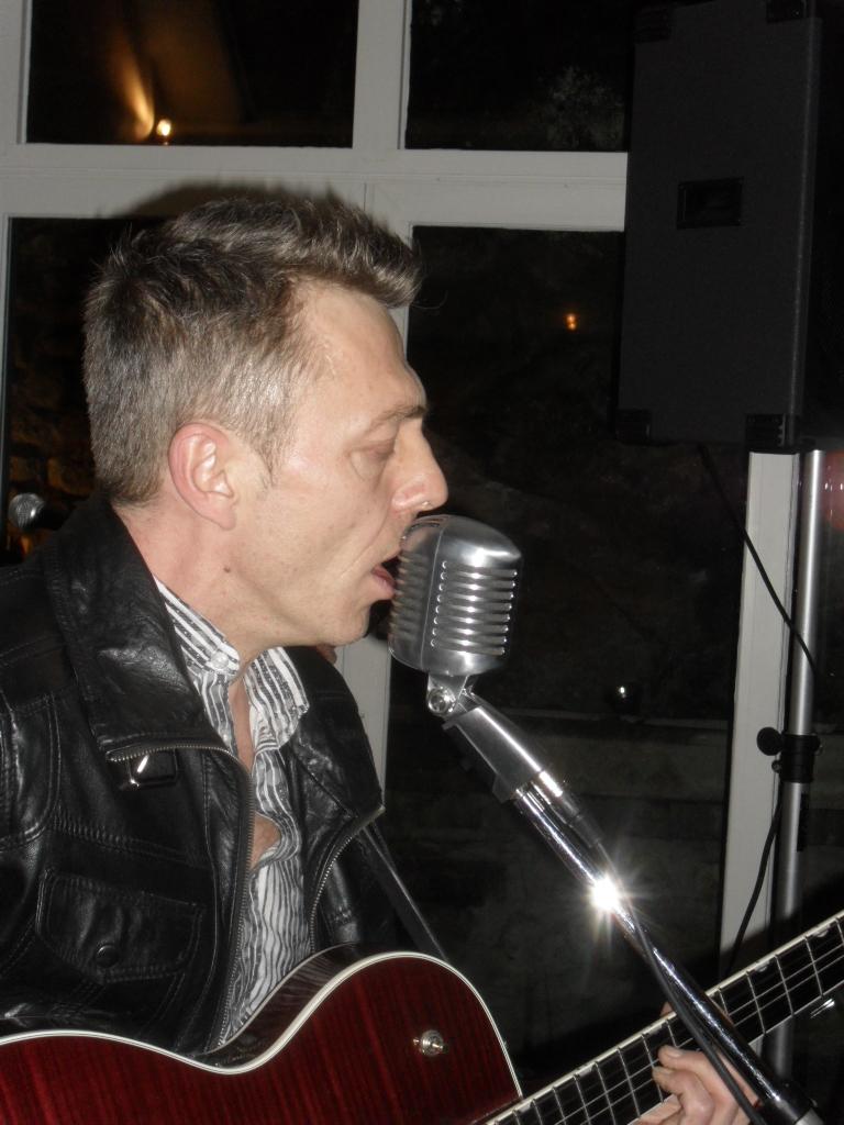 Fete de la Musique jeudi 21 juin les Zidel's  special Rock N Roll place de la Mairie Cheroy 89 yonne